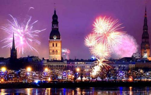 riga new years eve fireworks 1472042377