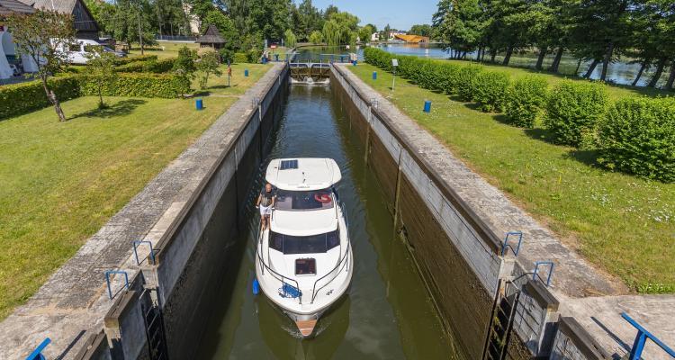 Augustovo kanalas 299547450