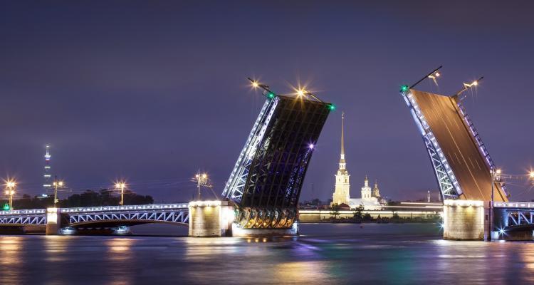 Sankt Peterburgas tiltai 128425416
