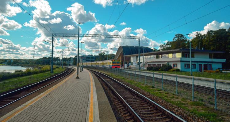Traukinys Jūrmala Ryga 320821011